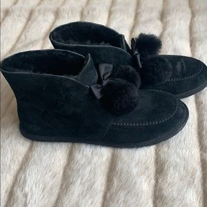 Women's Ugg slippers size 10